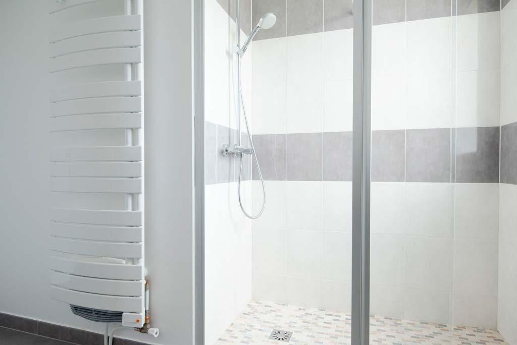 offre emploi installateur salle de bains